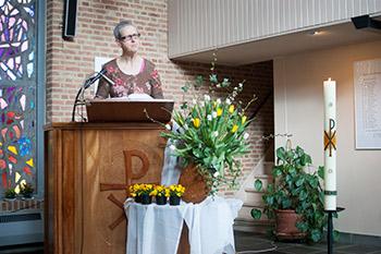 Schriftlezing door gemeentelid.